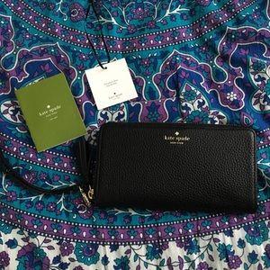 Kate Spade Black Wallet / Wristlet
